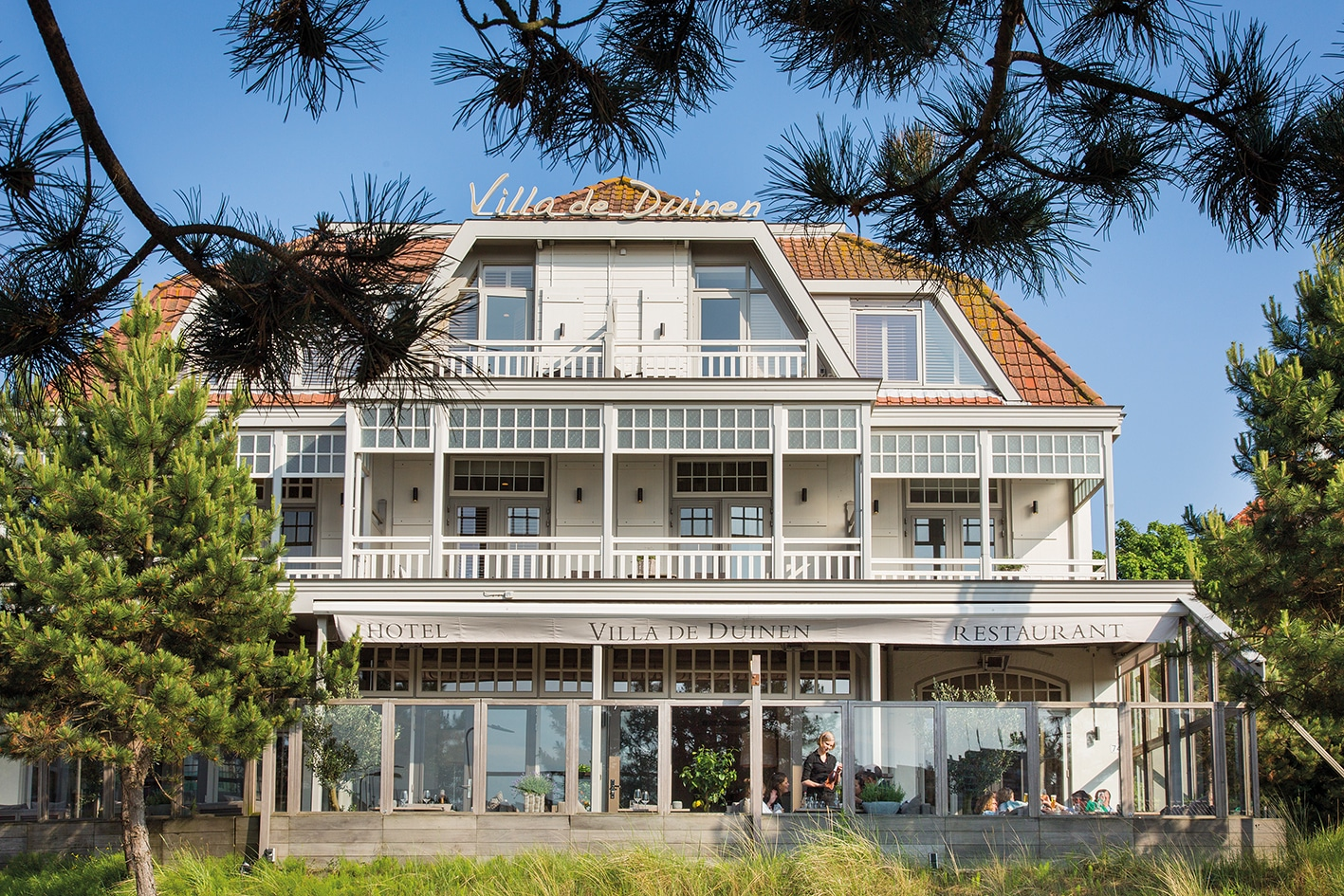 Villa de duinen voor lunches diners en zakelijke sessies rijnstreek business for Moderne kookstijl